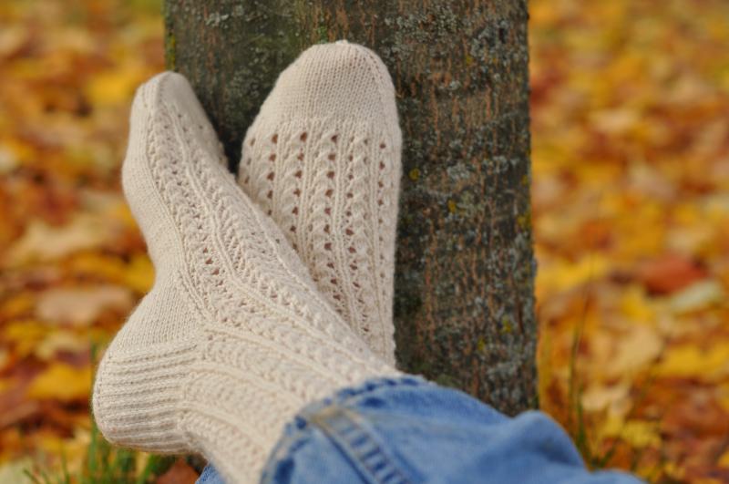 Lacy rib socks