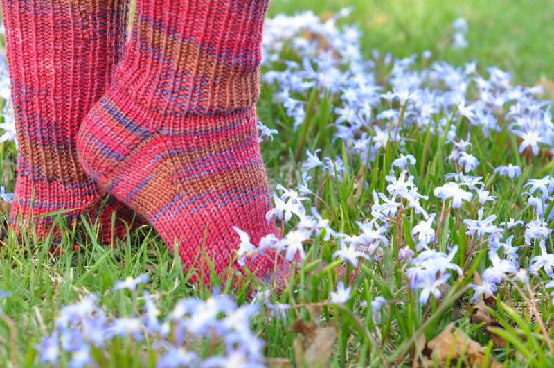 Fast knit pink socks