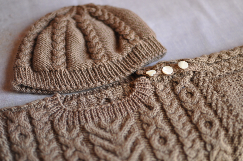 Hugs and kisses baby hat