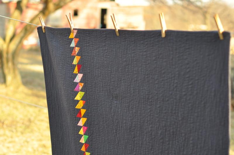 Zinnia quilt hanging