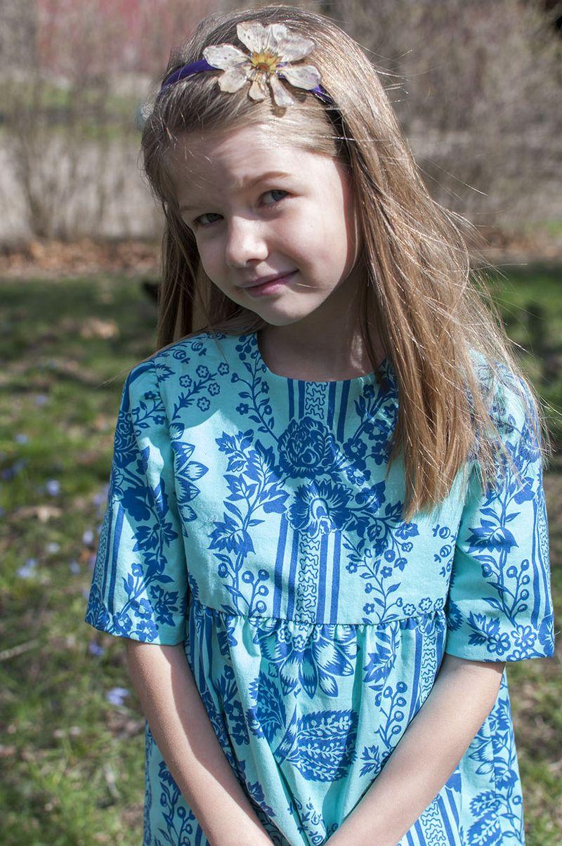 Blue garden dress  close