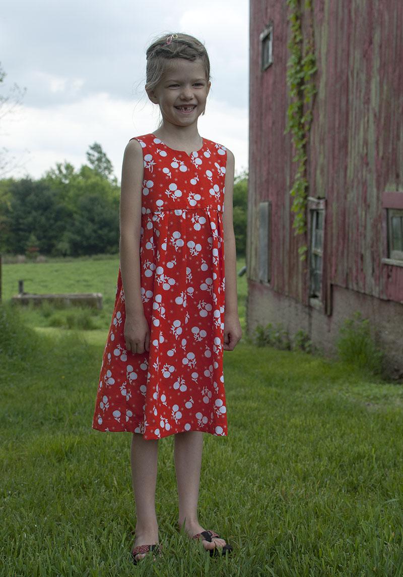 Geranium dress - happy girl