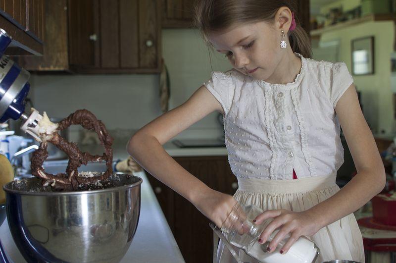 Baking a cake - measuring