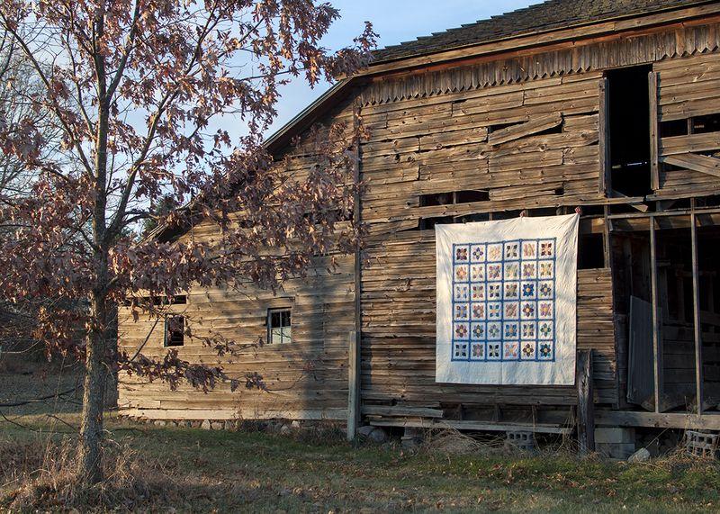 Dahlia barn quilt