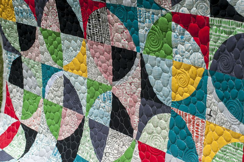 Custom quilting close