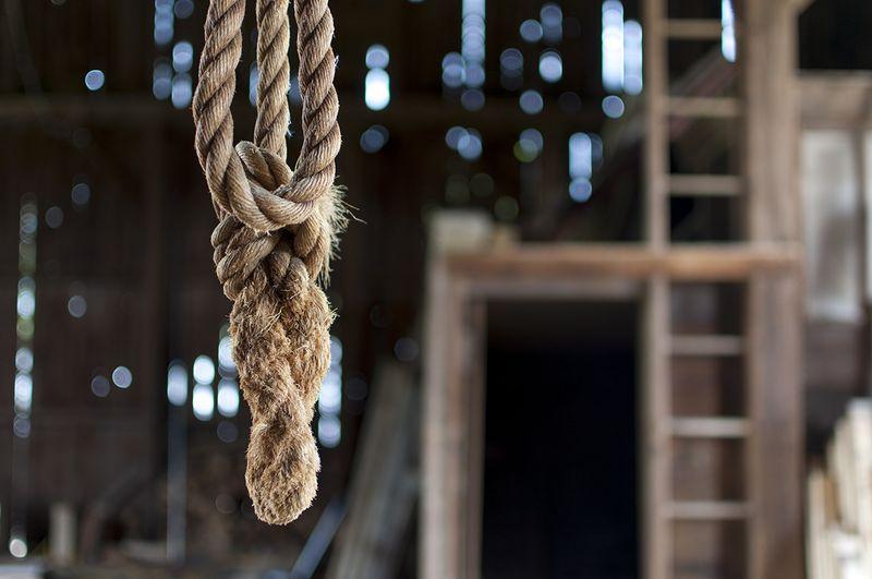 Barn things - hanging rope