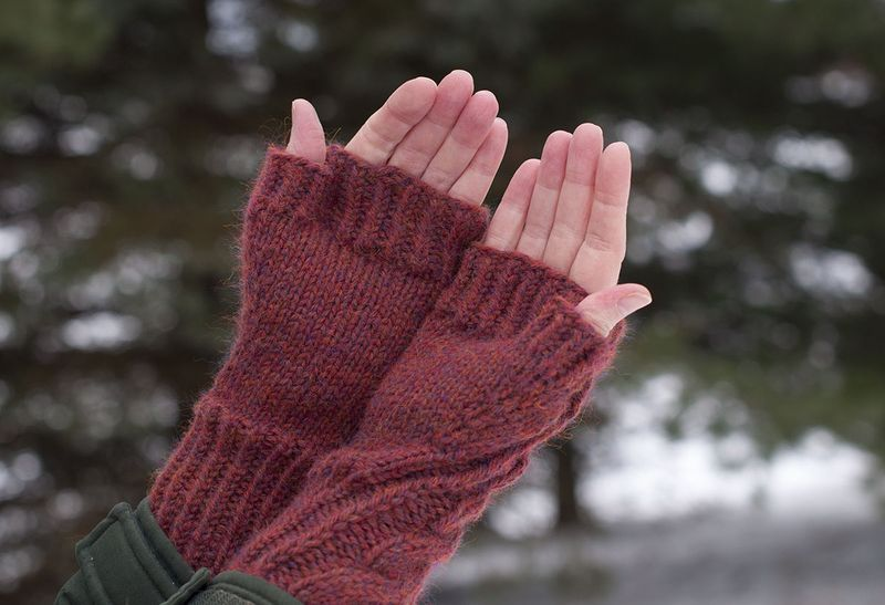 Fingerless mitts palms