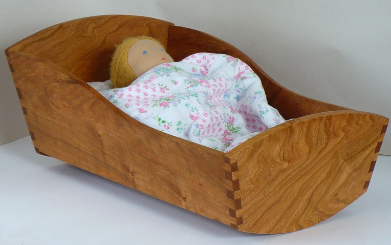 DIY Doll Cradle http://sim-uk.org/elalfarero/doll-cradle