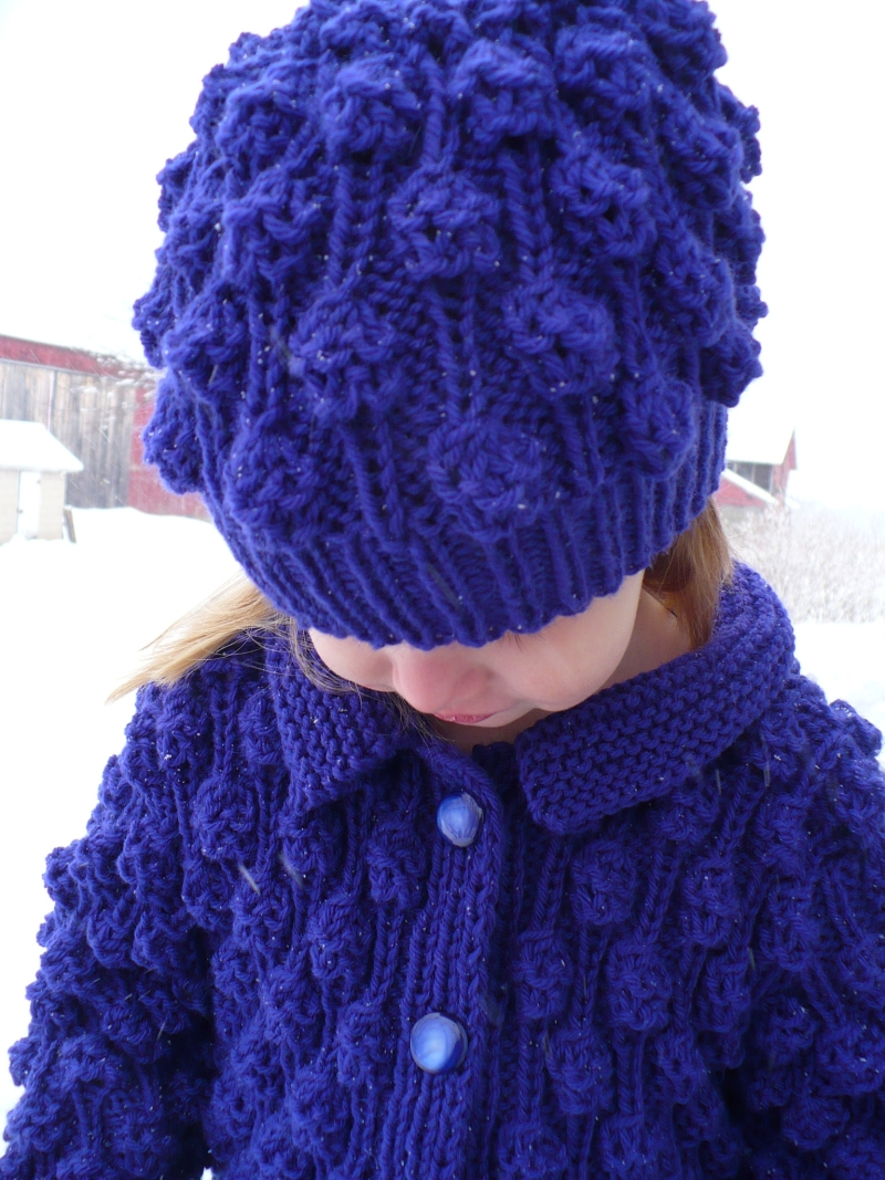 Popcorn_sweater_and_hat_close_5