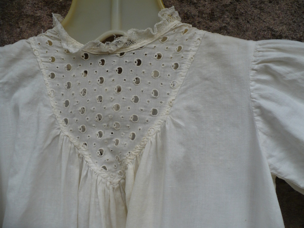 Baby_gown